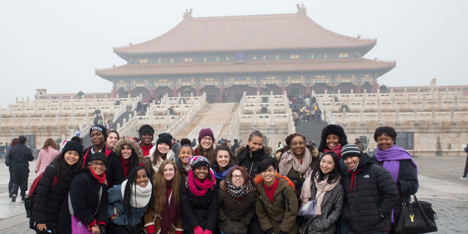 Study abroad group photo in China